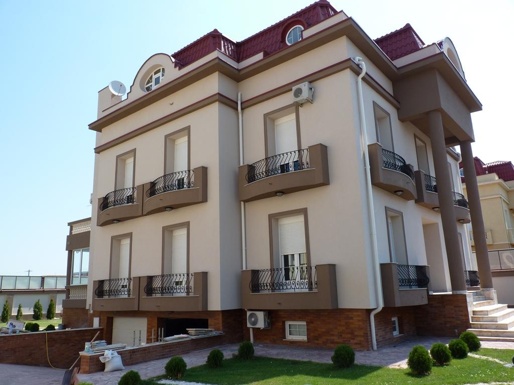 Ornamente din polistiren fatada casa pipera profile for Design exterior fatade case