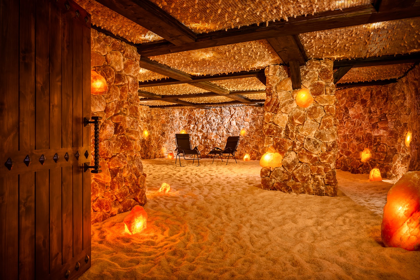 Salt Lamp Sizes For Rooms : Bijoux Events: Santa Barbara Salt Cave Bridal Party Pamper Event!
