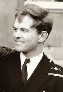 Comandante Chris Wreford-Brown Royal Navy