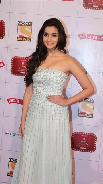 Alia Bhatt Stardust Awards 2013 Wallpapers