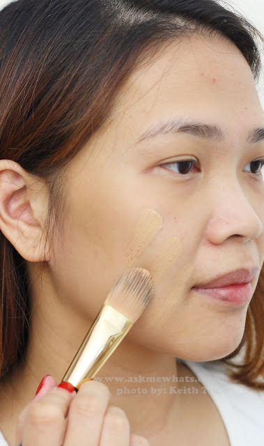 a photo of Revlon Photoready Airbrush Effect Foundation