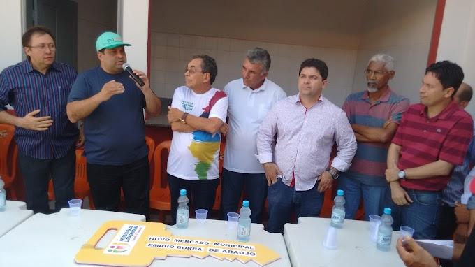 Governo participa da entrega do mercado municipal e de Feira de Agricultura em Lagoa Grande