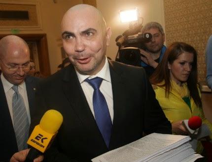 """По взаимно съгласие ПП """"България без цензура"""" освобождава г-н Росен Петров от всички заемани от него постове в партията"""