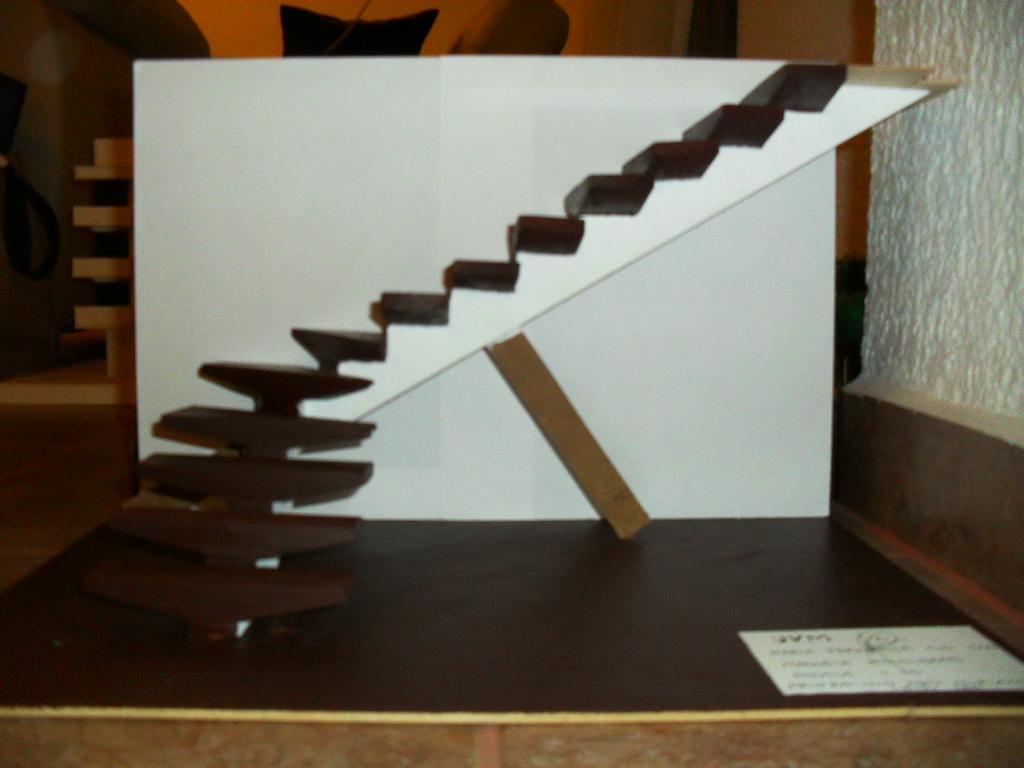 Yo estudio arquitectura escalera for Como realizar una escalera caracol