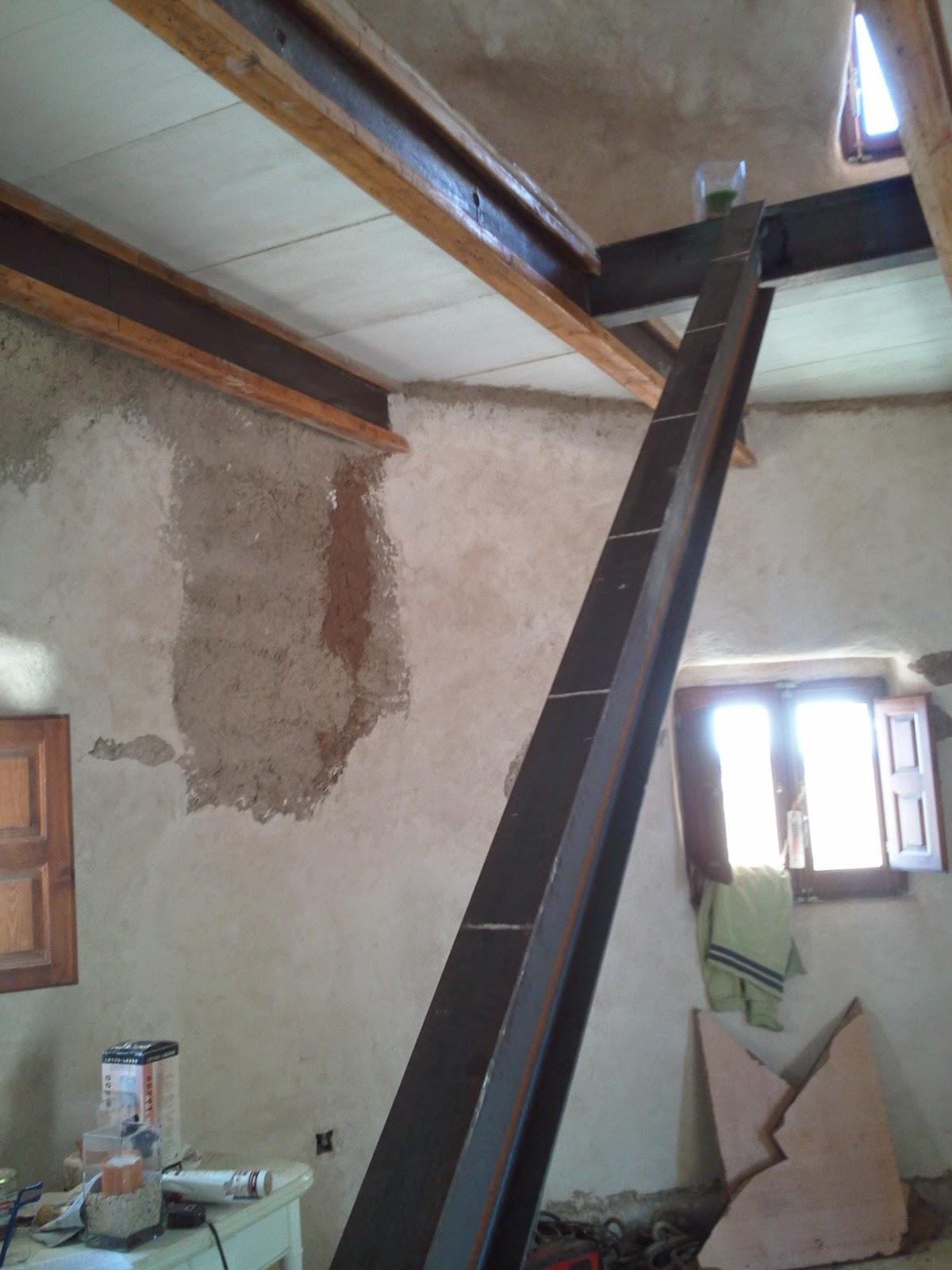 Una escalera a medida for Como construir una escalera de hierro y madera