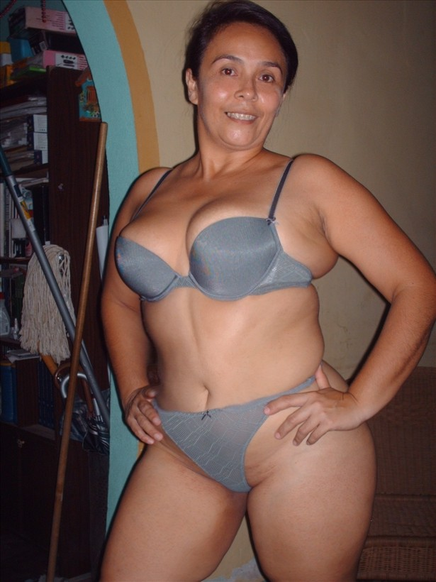 Nena de veracruz posando mamando y cogiendo en bikini - 3 part 3