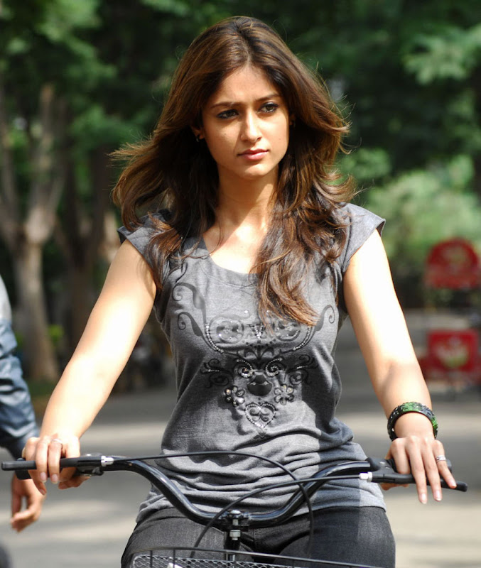 Telugu Actress Ileana Stills Gallery sexy stills