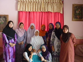 they are my girlfriend n my ustazah...