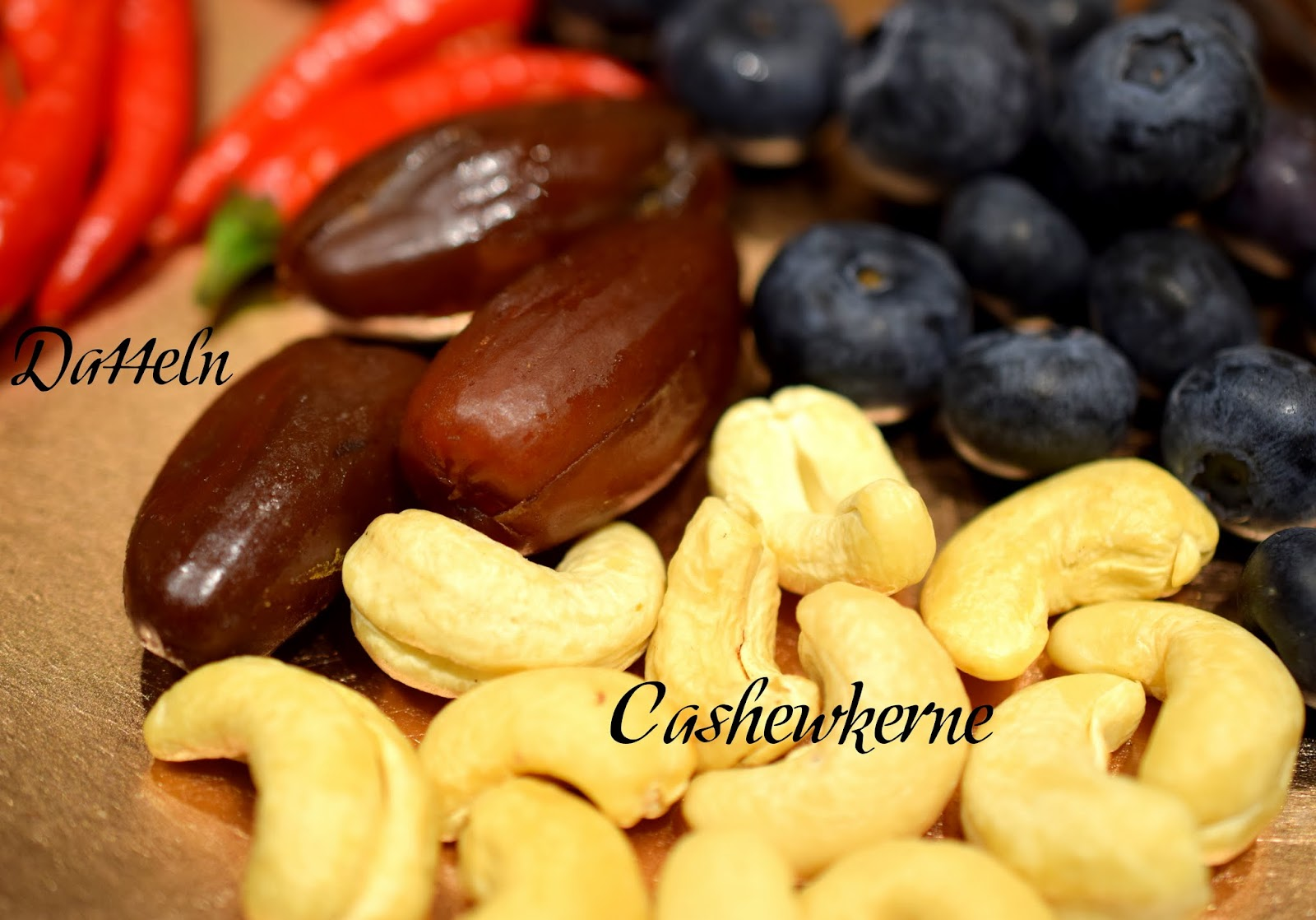 Top 10 Mood Foods Datteln Cashewkerne