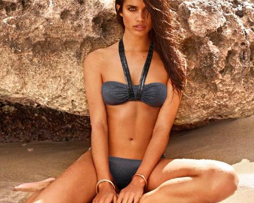 Nyakpántos elegáns bikini a Calzedonia 2013-as kollekcióból