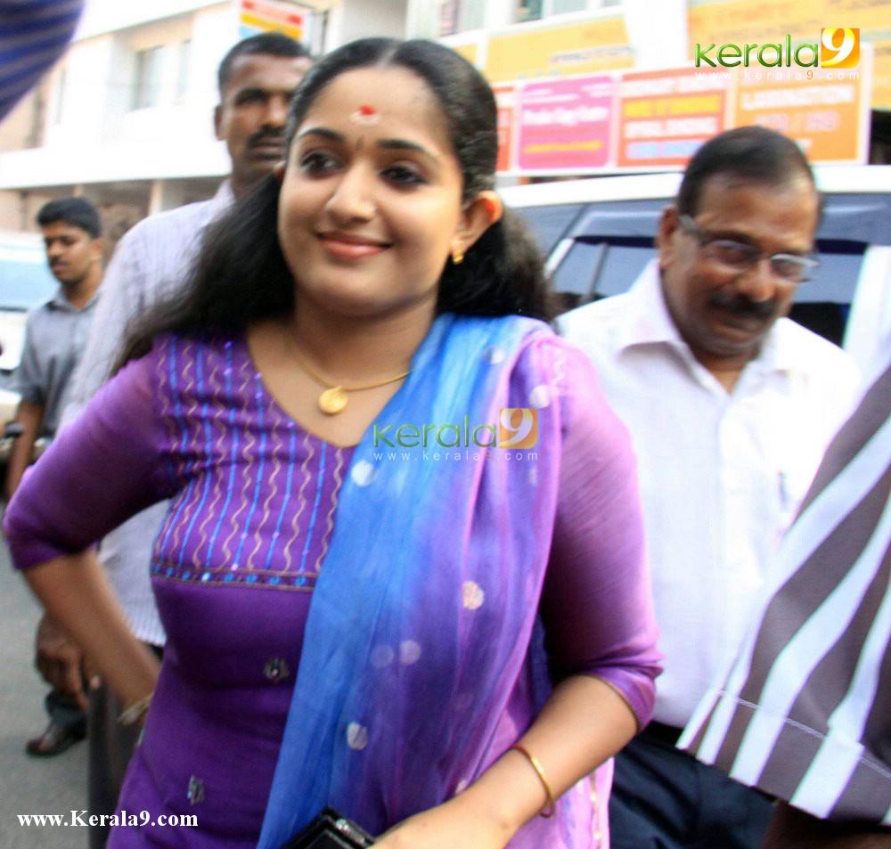ACTRESS HOT...: Some Sexy Pics Of Kavya Madhavan