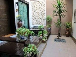 desain taman di dalam rumah