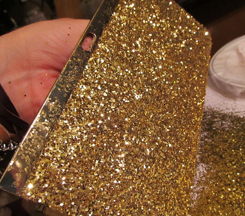 Juneberry LaneTutorial TuesdayDIY Glitter Clutches!