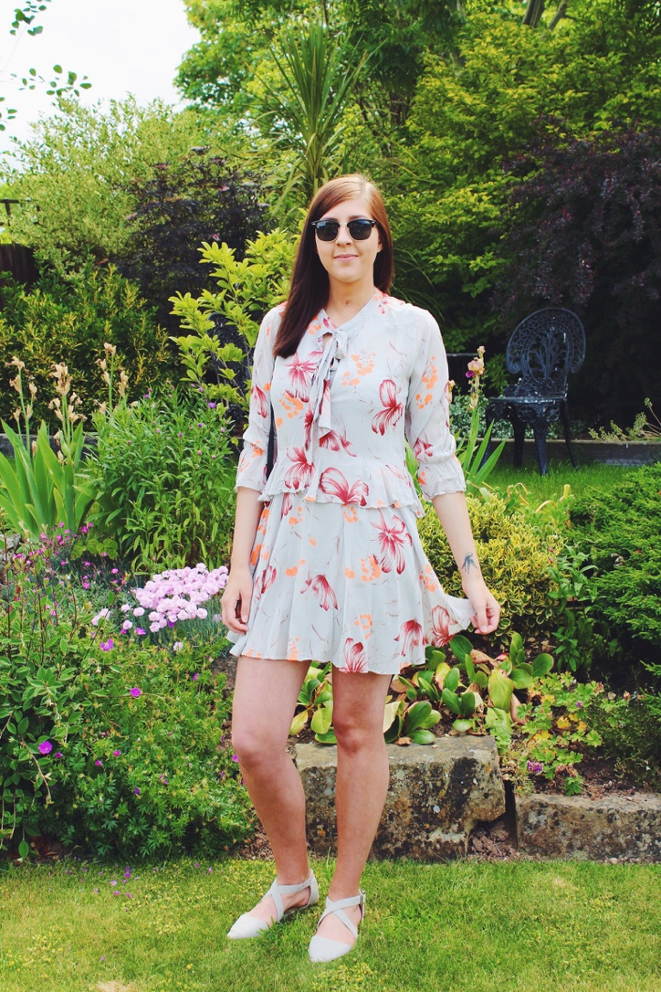 topshop, asos, asseenonme, wiw, whatimwearing, lotd, lookoftheday, salebuy, primark, fashionpost, fbloggers, fblogger, fashionbloggers, fashionblogger, retrosunglasses, floralprint, ootd, outfitoftheday