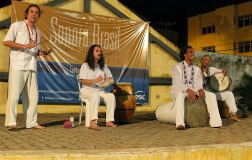 Grupo Alabê Ôni encanta teresinenses em show na Casa da Cultura