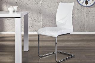 luxusna biela jedalenska stolicka dostupna aj v ciernej farbe