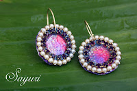 http://www.jewelsofsayuri.com/2016/01/diy-rhinestone-disk-earrings.html