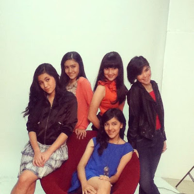 Foto+Anggota+Blink+Girlband+Indonesia iqbal coboy junior nyanyi