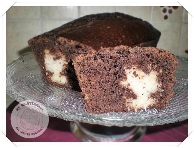 Plumcake al cacao con cuore al cocco