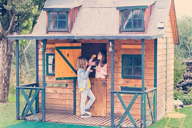 DIY: pintura chalk paint para renovar la casita del jardín