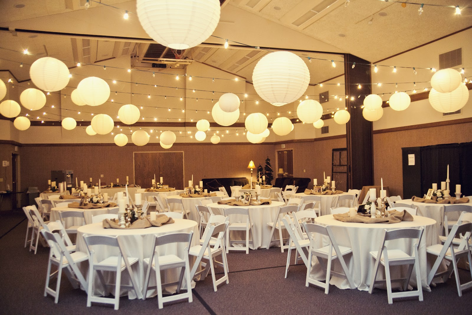 Beehive art salon wedding for Wedding banquet decorations