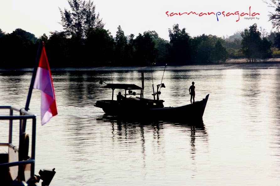 indonesia black white