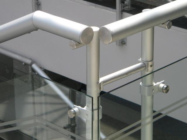 Pasamanos en aluminio favialuminios productos en aluminio for Pasamanos de aluminio