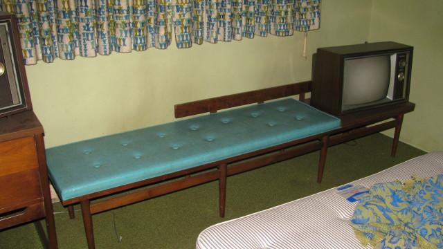 Mid Century American Of Martinsville Hotel Furniture