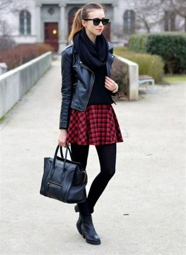 Plaid Skirt Outfit Ideas for Women