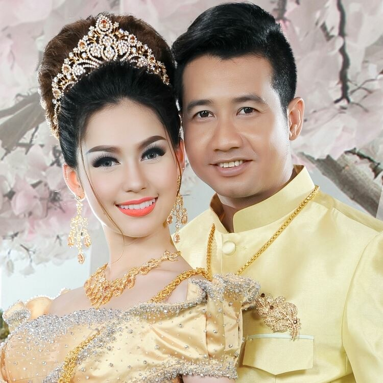 Wedding dresses khmer 28 images khmer wedding dress for Cambodian wedding dresses sale