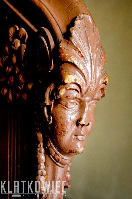 Bydgoszcz: secesyjna poręcz w kształcie głowy kobiety