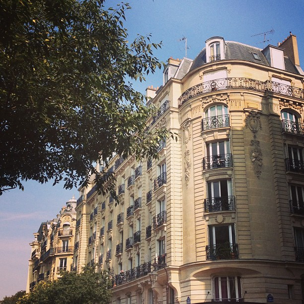 paris buildings pied-a-terre
