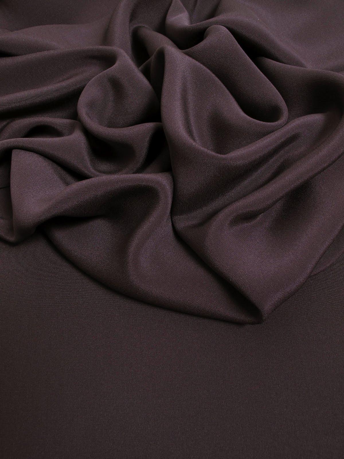 les nouveaut s au jour le jour chez stragier drap de soie cassis. Black Bedroom Furniture Sets. Home Design Ideas
