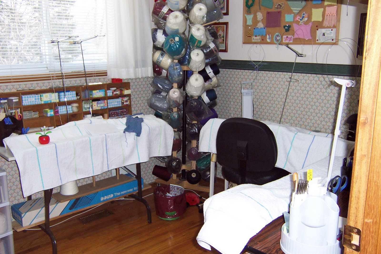 Knitting Room Suomi : Marg s knitting place my re vamped room