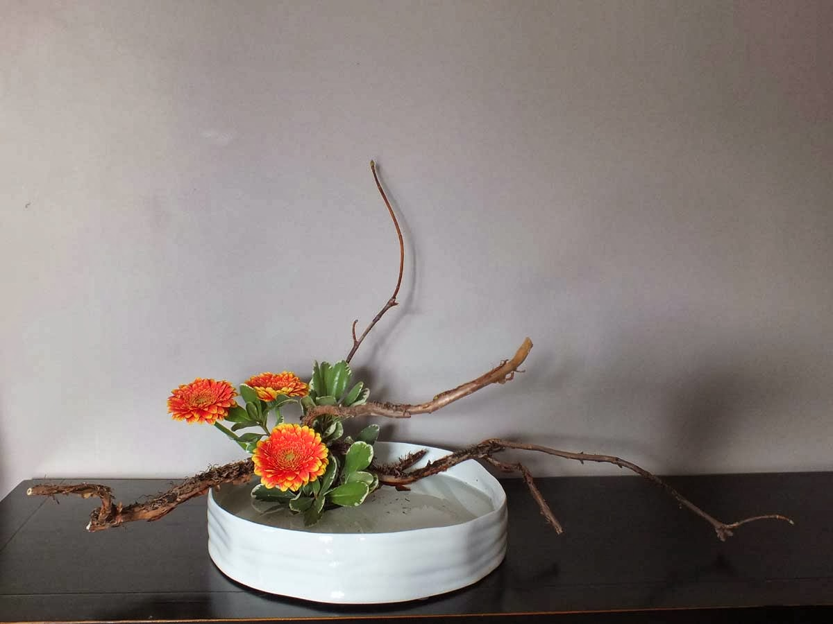 blog ik bana art floral japonais hana isho ikebana jiyu bana simplicit moderne. Black Bedroom Furniture Sets. Home Design Ideas