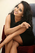 Ishika singh latest photos-thumbnail-19