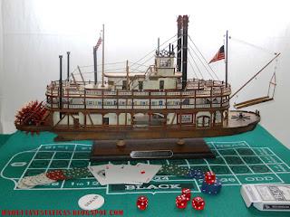 maqueta a escala de barco a vapor de palas