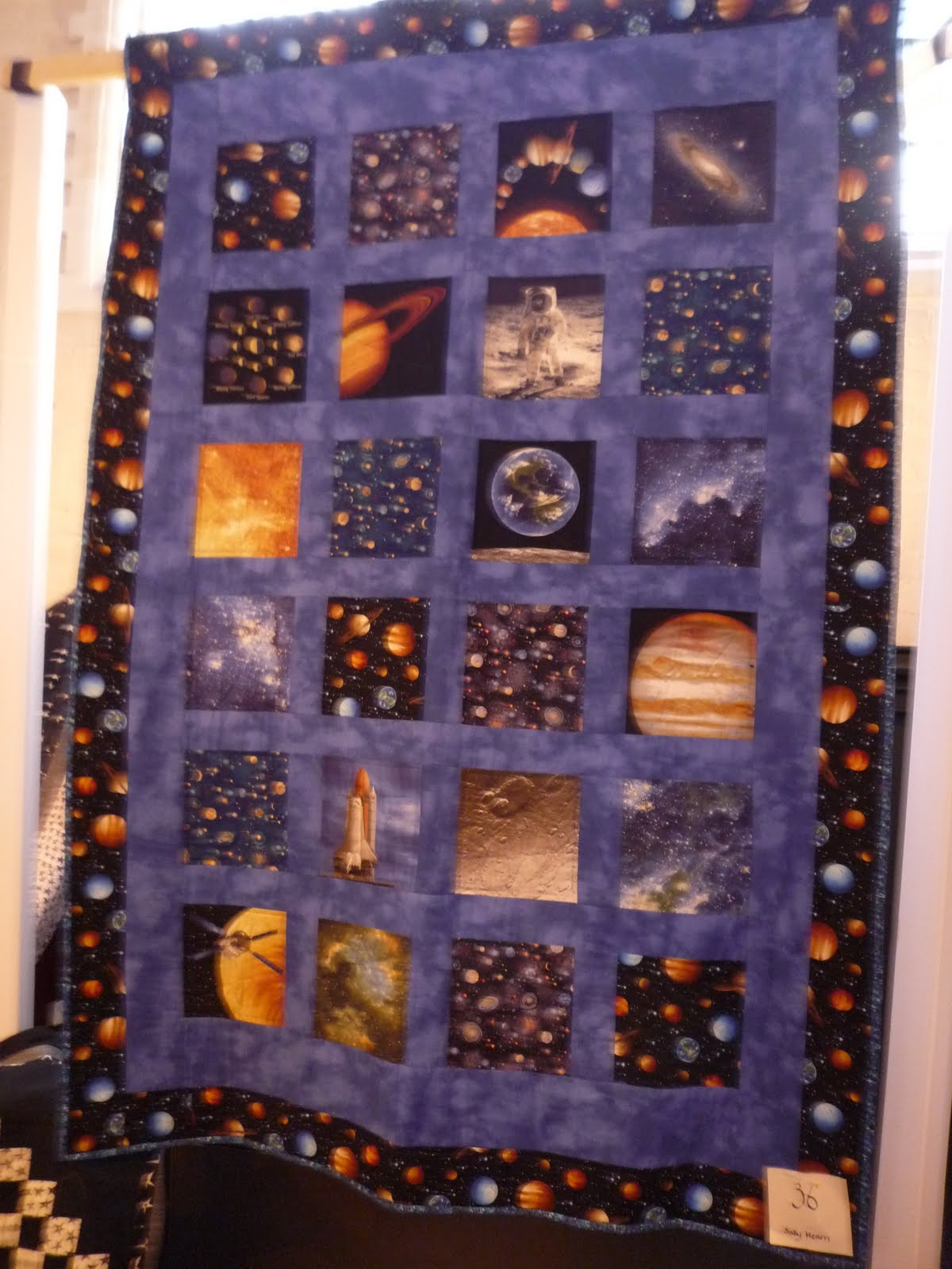 Quayquilter august 2011 for Outer space quilt fabric