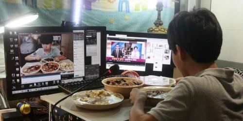 Hanya dengan Makan Malam, Remaja Ini Punya Penghasilan Rp 20 Juta