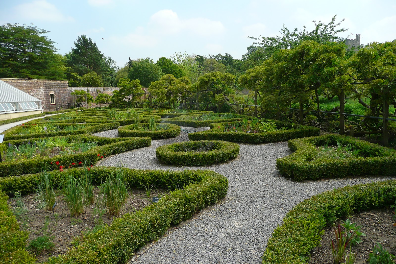 http://1.bp.blogspot.com/-8jNaKArwjIE/T83lAdYonMI/AAAAAAAAAR0/iaJlPymuqYs/s1600/London+kew+gardens+005.JPG
