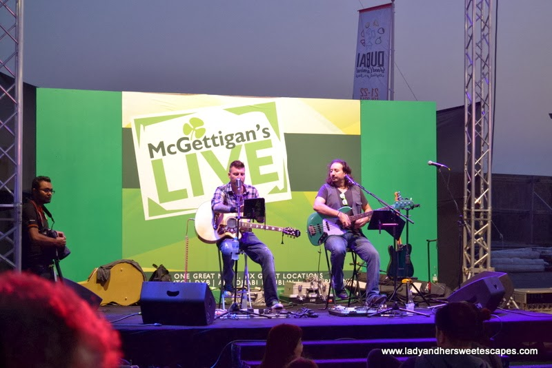 live acoustic band at the Dubai Food Carnival