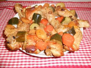 طاجين الدجاج بالخضر والفواكه الجافة