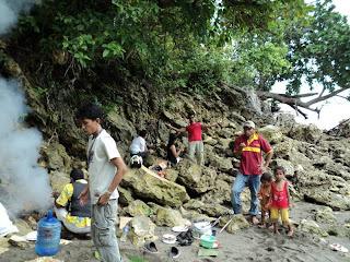 Berakhir Pekan di Pantai Mariadei-Serui Papua