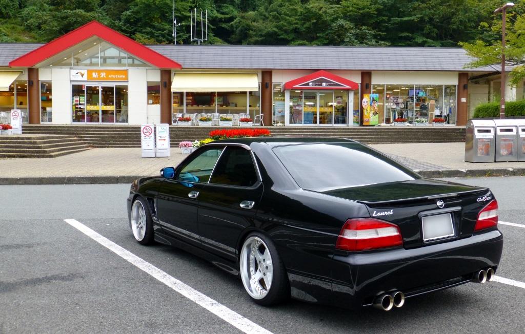 Nissan Laurel C35, rasowe samochody z napędem na tył, RB25DET, turbodoładowany silnik, sedany z lat 90, japońska motoryzacja