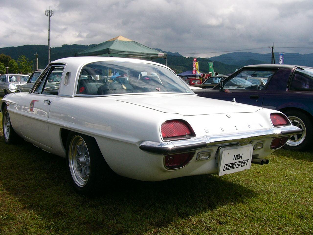 Mazda Cosmo Sport, auto z duszą, stary samochód, dawny model, fotki