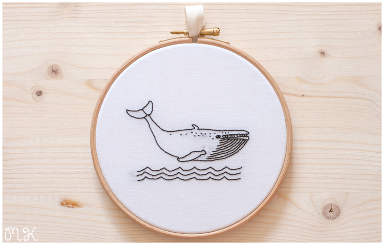 Bastidor decorativo ballena blanco y negro