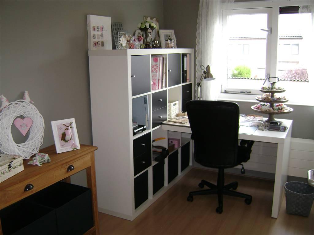 Interieur huis hobbykamer - Tv staan kleine ruimte ...