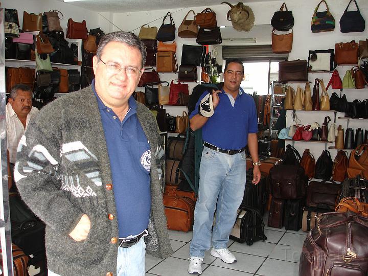 CONFECCIONES   EN   CUERO