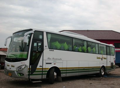 PO Scorpion Holidays - Zonda Bus by Satrio Motor Magelang (Body Repair)