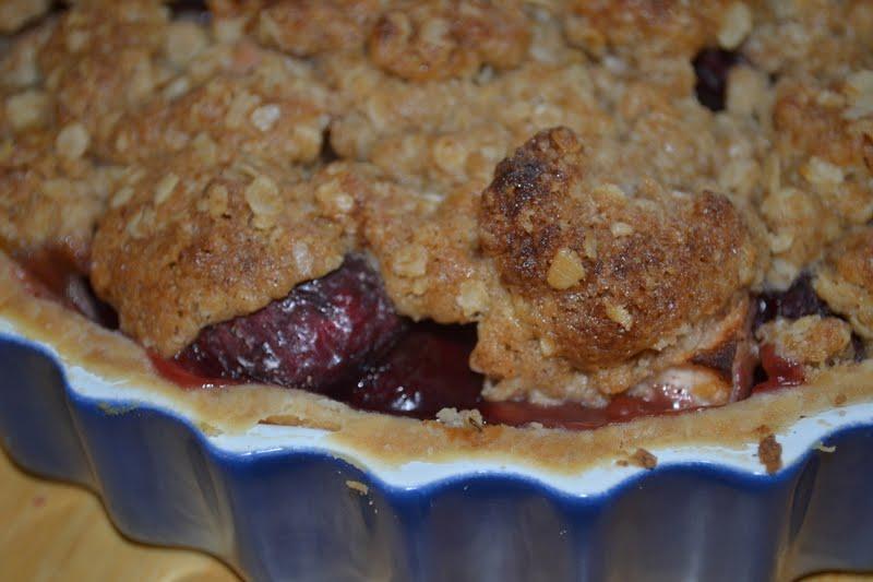 Bakeaholic Mama: Pie Meets Fruit Crisp.... Dutch Apple Cherry Pie